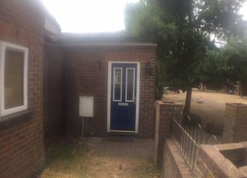 Thumbnail 3 bed flat to rent in Alton Road, Luton