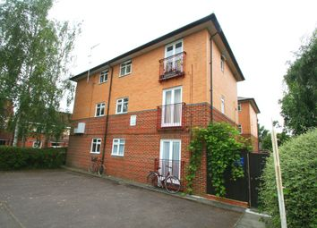 Thumbnail 1 bedroom flat to rent in Leon Close, Oxford