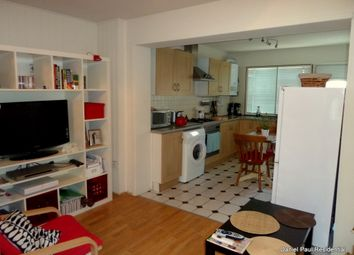 Thumbnail 1 bed flat to rent in Wellington Road South, Hounslow West London