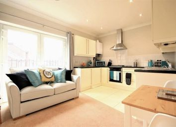 Thumbnail 1 bed property to rent in Spinney Hill, Addlestone