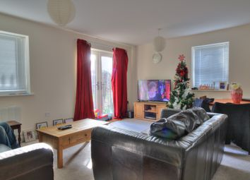Midshires Business Park, Smeaton Close, Aylesbury HP19. 2 bed flat