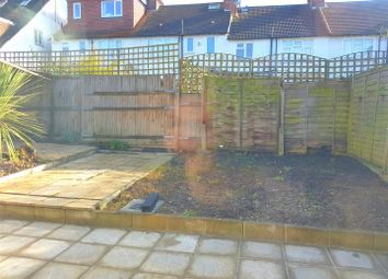 Thumbnail 2 bed flat to rent in Clifton Gardens, London