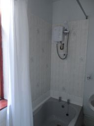 Thumbnail 1 bedroom flat to rent in Wigston Lane, Aylestone, Leicester