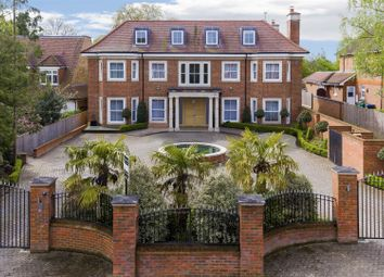 Thumbnail 7 bed detached house for sale in Beech Hill, Hadley Wood