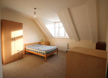 Thumbnail 3 bed flat to rent in Braunstone Gate, Leicester