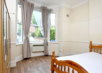 Thumbnail 1 bed flat to rent in Mount Park Road, Ealing, London