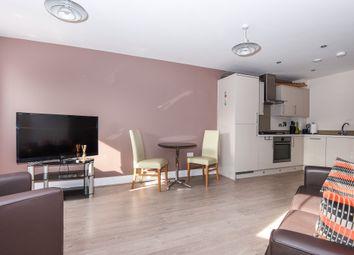 Thumbnail 2 bedroom flat to rent in Oak Lane, Windsor