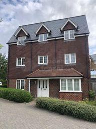 Room to rent in Warren Close, Farnham, Surrey GU9