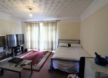 Thumbnail 2 bedroom flat for sale in Isom Close, Plaistow