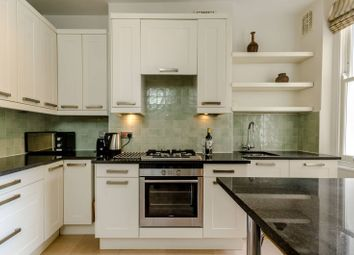 Thumbnail 1 bed flat to rent in Garratt Lane, Earlsfield