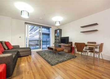 Thumbnail 1 bed flat to rent in City Road, Islington, London