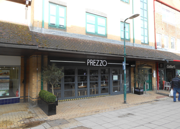 Thumbnail Retail premises to let in Crockhamwell Road, Reading