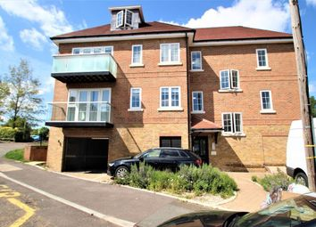 Thumbnail 2 bed flat to rent in Chatham Hill Road, Sevenoaks, Kent