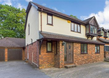 5 bed detached house for sale in Hawkley Drive, Tadley, Hampshire RG26
