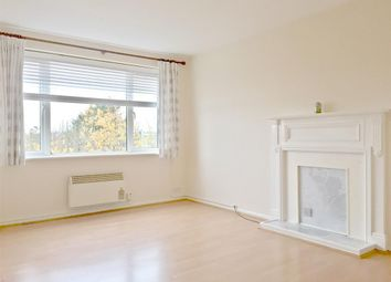 Thumbnail Studio to rent in Gainsborough Road, London