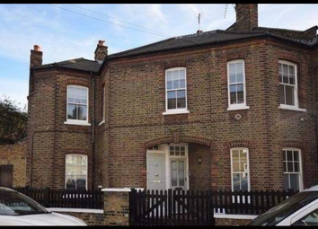 2 bed maisonette to rent in Broughton Street, London SW8