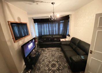 2 bed maisonette to rent in Laburnum Road, Hayes UB3