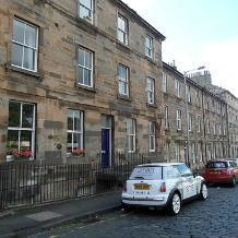 Thumbnail 1 bed flat to rent in 8E Canon Street, Edinburgh
