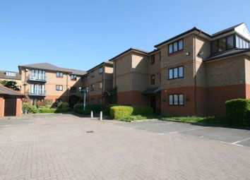 Thumbnail 2 bed flat to rent in Forlease Road, Maidenhead