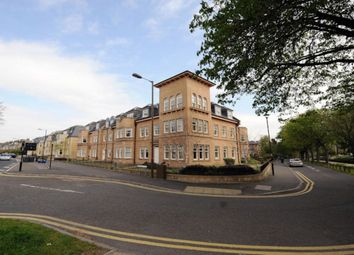 Thumbnail 3 bed flat to rent in Victoria Place, Stirling