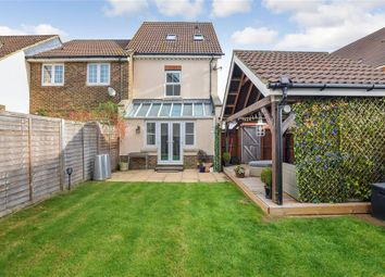 Thumbnail 3 bed town house for sale in Galloway Drive, Kennington, Ashford, Kent