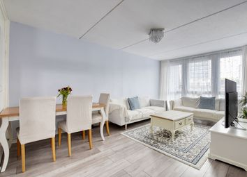 Thumbnail 2 bed flat for sale in Gaydon House Bourne, London