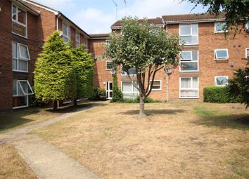 2 bed flat to rent in Shurland Avenue, East Barnet EN4