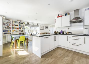 3 bed maisonette to rent in Florence Way, London SW12