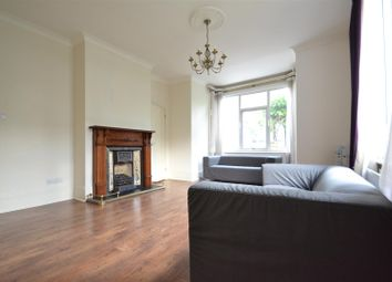3 bed property to rent in Ellesmere Road, Chiswick W4