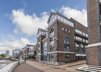 Thumbnail 2 bed flat for sale in Clove Hitch Quay, London