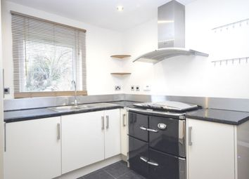 Thumbnail 2 bed flat to rent in Bucknalls Lane, Watford