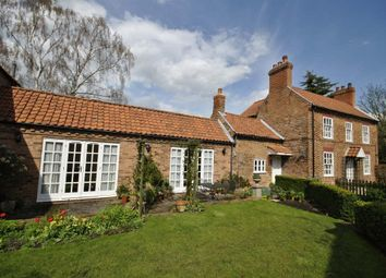 Thumbnail 4 bed cottage for sale in Low Street, Beckingham, Doncaster