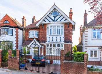 Thumbnail 4 bed flat to rent in Streatham Common South, London