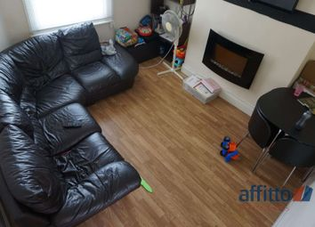 2 bed flat to rent in Abbots Walk, High Street, Biggleswade SG18