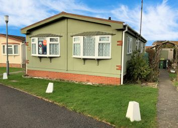 2 bed mobile/park home for sale in Williams Green, Tower Park, Hullbridge SS5