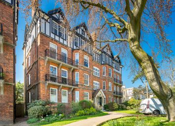 Thumbnail 4 bed flat to rent in Highgate West Hill, Highgate