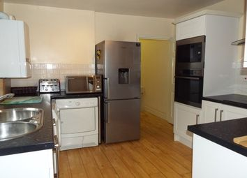 Thumbnail 4 bedroom flat to rent in Faringdon Road, Swindon