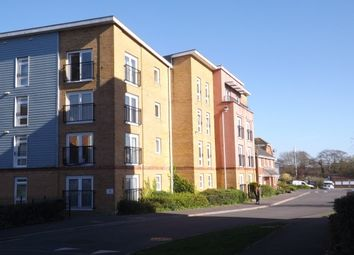 Thumbnail 2 bed flat to rent in Little Hackets, Havant