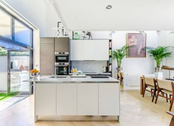 3 bed property for sale in Empress Mews, Camberwell, London SE5