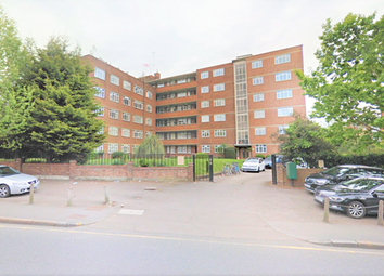 Thumbnail Room to rent in Brae Court, Kingston Hill, Kingston Upon Thames, Surrey