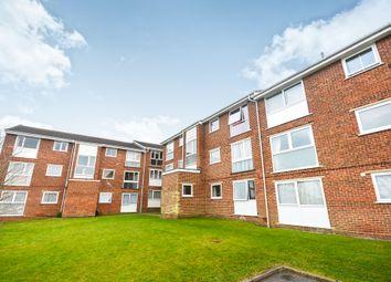 Thumbnail 2 bedroom flat for sale in Trafalgar Court, Braintree