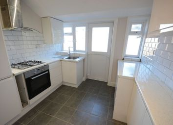 Thumbnail 2 bed flat to rent in Heathcote Road, Boscombe, Bournemouth