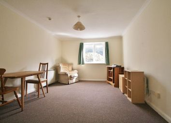 Thumbnail 1 bed flat for sale in Croft Road, Wallingford