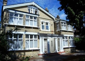 Thumbnail 3 bedroom flat to rent in Oakleigh Park North, London