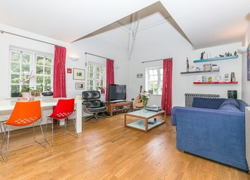 2 bed maisonette to rent in Forfar Road, London SW11