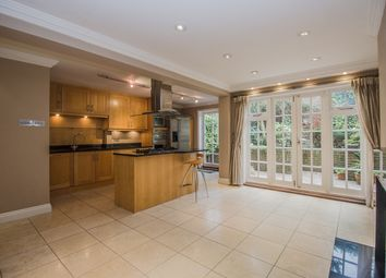 Thumbnail 3 bed town house to rent in Hampton Court Road, East Molesey