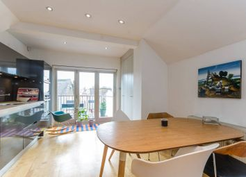 2 bed maisonette to rent in Heath Street, Hampstead NW3