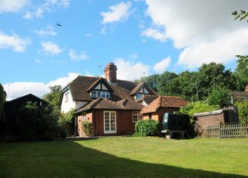 Thumbnail 3 bed cottage to rent in Henley Road, Medmenham, Marlow