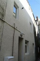 Thumbnail 3 bed flat to rent in High Street, Perth And Kinross