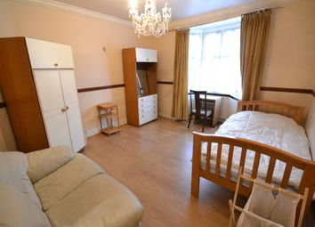 Thumbnail Room to rent in Old Oak Road, London